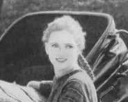 1919AnneSmile