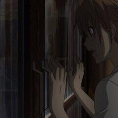Naoya tries to show Kouichi and Mei Tomohiko's body...