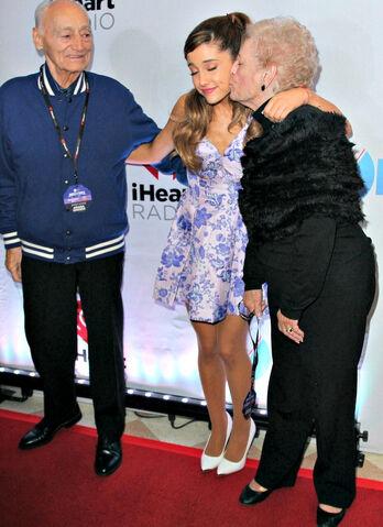 File:Ariana, Nonna, and Frank.jpg