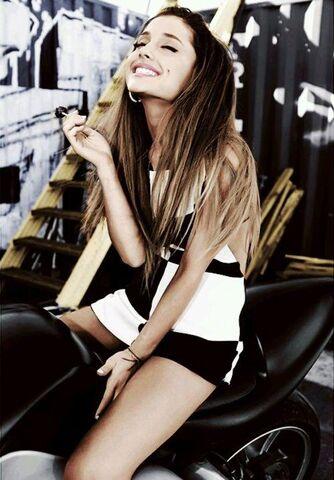File:Ariana Grande motorcycle - Jones Crow (8).jpg