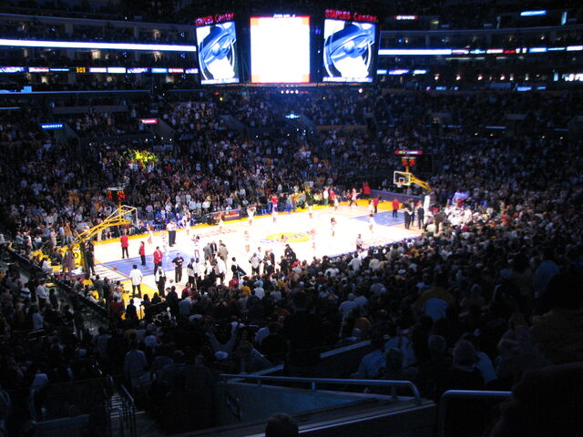 File:Staples Center-1196098365-470.jpg