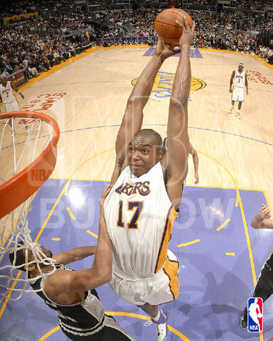 File:Bynum dunk.jpg