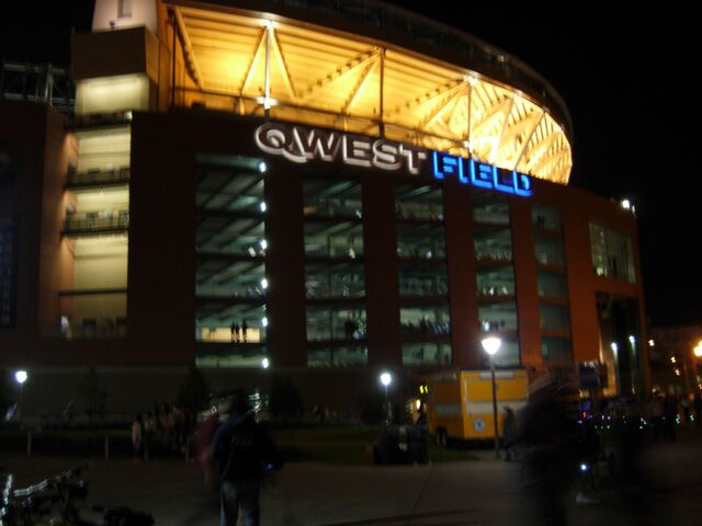 File:Qwest Field-1196047951-745.jpg