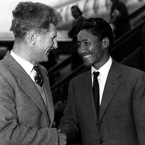 File:1200039188 Sir Edmund Hillary with Tenzing Norgay 1953.jpg