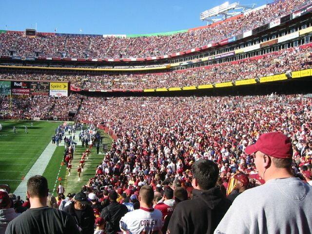 File:FedEx Field-1195774741-431.jpg