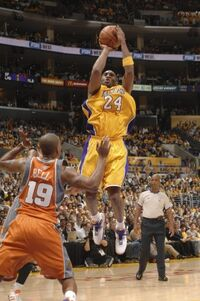 Fullj getty-73920288ng028 suns lakers 2 11 22 am