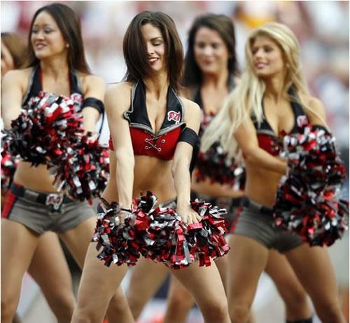File:27-hot-cheerleaders.jpg
