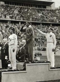 File:1187817935 250px-JesseOwens 1936Olympics.jpg