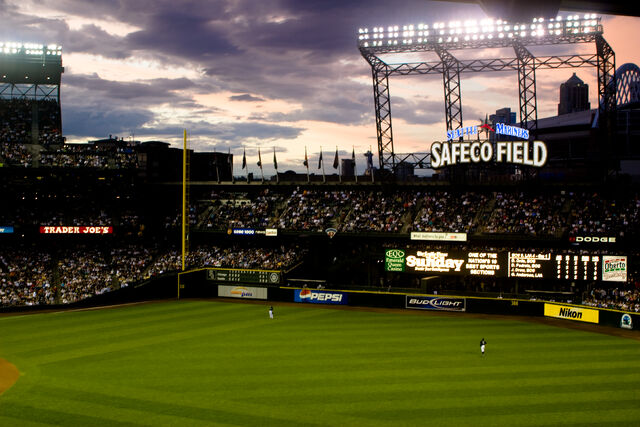File:Safeco Field-1195606502-802.jpg