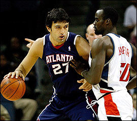 File:Player profile Zaza Pachulia.jpg