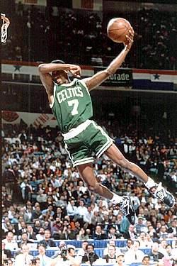 File:Dee brown cant see dunk.jpg