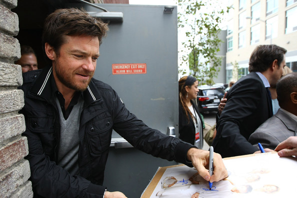 File:2011 New Yorker Festival - Autographs Jason Bateman.jpg