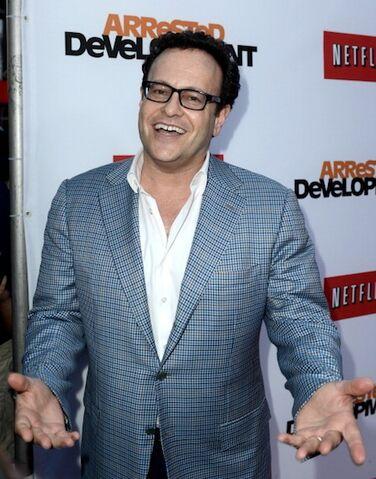 File:2013 Netflix S4 Premiere - Mitch 2.jpg