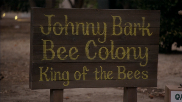 File:4x07 Colony Collapse (136).png