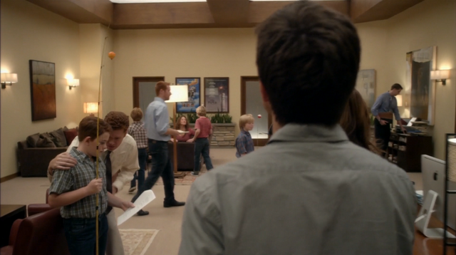 File:4x04 The B. Team (028).png