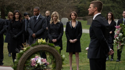 Oliver tells a eulogy in Laurel's honor
