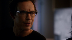 Eobard suspects Barry time traveled