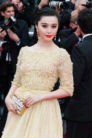 Fan+Bingbing+Jeune+et+Jolie+Premieres+Cannes+U7PWpmwpFewl