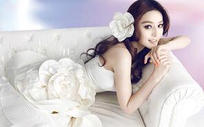 Fan-bingbing-sofa-white-actress-asian-wedding-wedding-dress