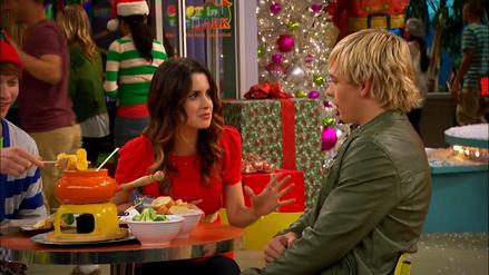 Austin & Jessie & Ally (245)
