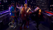 Austin & Jessie & Ally Can You Feel It (20)
