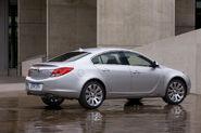2011-Buick-Regal-8