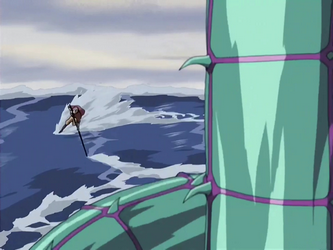 File:Aang fights the serpent.png