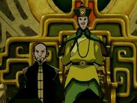 Long Feng standing beside Earth King