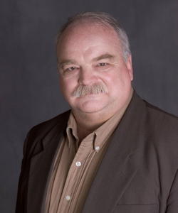 File:Richard Riehle.png