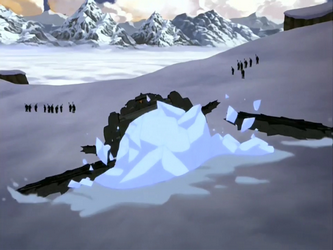 File:Destroyed tundra tank.png