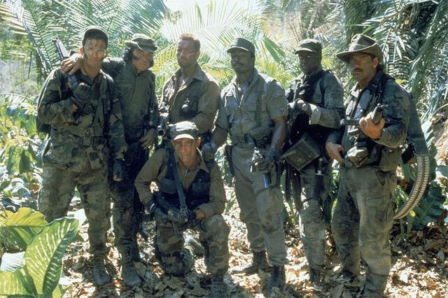 File:Predator-1987-shane-black-sonny-landham-arnold-schwarzenegger-richard-chaves-carl-weathers-bill-duke-jesse-ventura.jpg