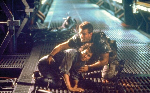 File:Ellen Ripley lll Dwayne 11 (Aliens).jpg