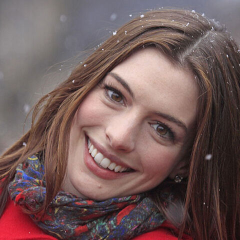 File:Prom-Q4-A4 AnneHathaway.jpg