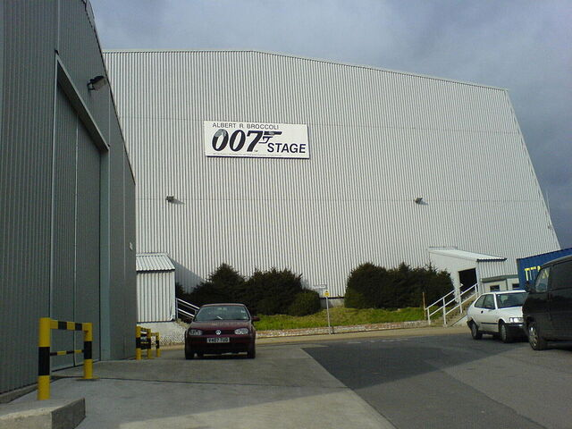 File:Pinewood007.jpeg
