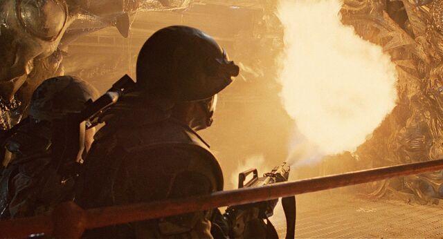 File:Apone fires M240.jpg