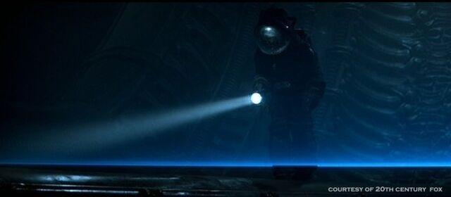File:Alien-1979-alien-aliens-8255329-654-286.jpg