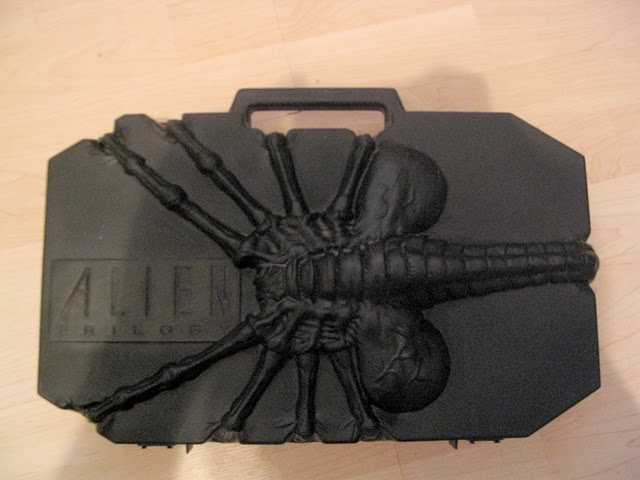 File:Alien Trilogy Facehugger Set.jpg