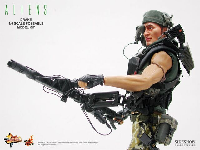 File:Hot Toys' Drake with his Smartgun..jpg