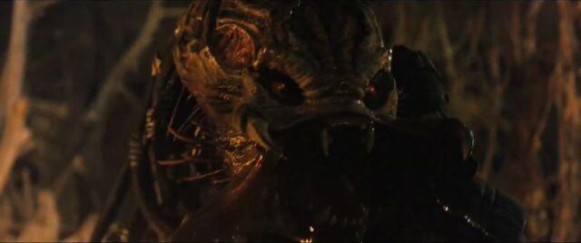 File:Berserker Predator's face revealed.jpg