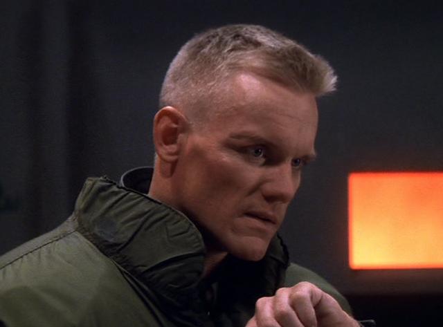 File:Earthforce-officer-endgame.png