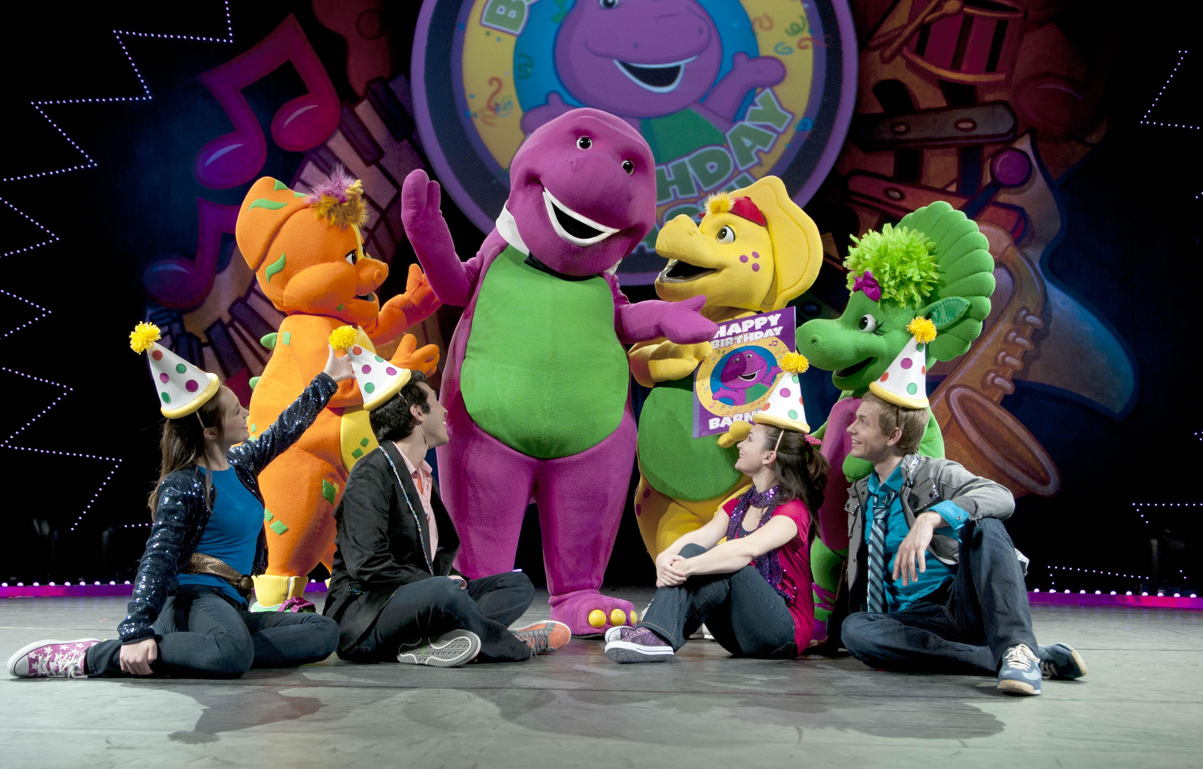 Image Barney Live Birthday Bashjpg Barney Wiki FANDOM - Concert barney wiki