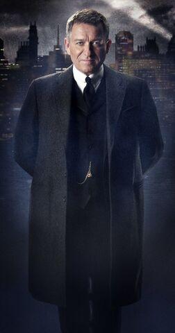 File:Gotham Alfred Pennyworth.jpg