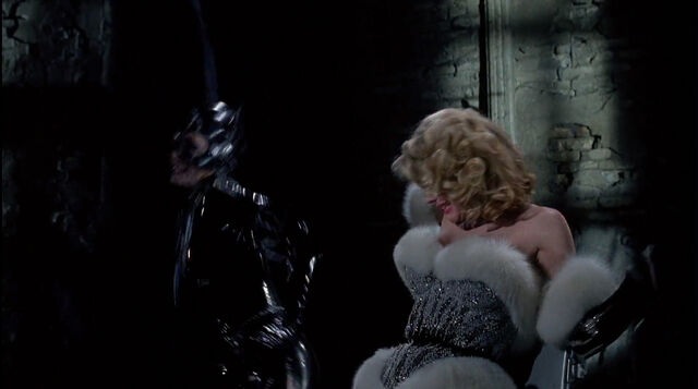 File:Batman-returns-disneyscreencaps.com-8878.jpg