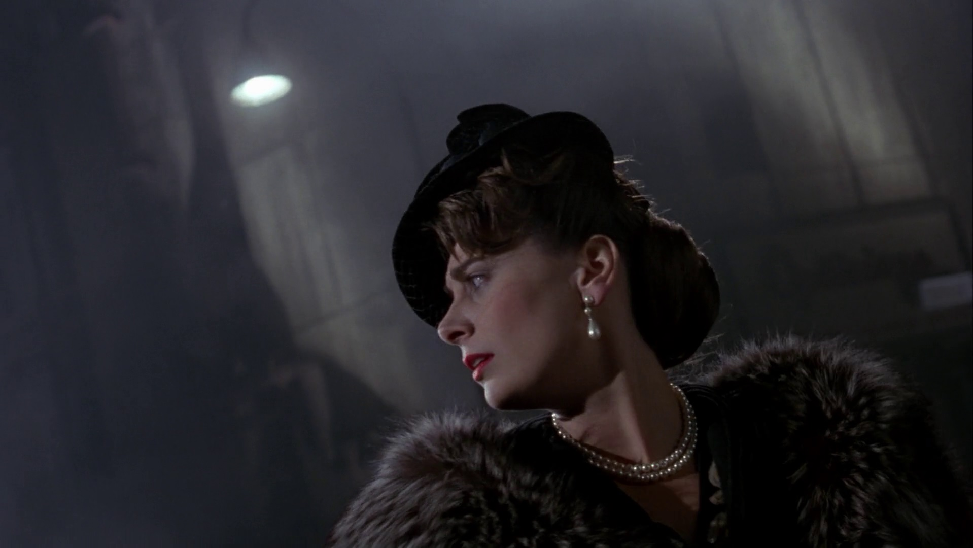 File:Batman 1989 - Martha Wayne.jpg