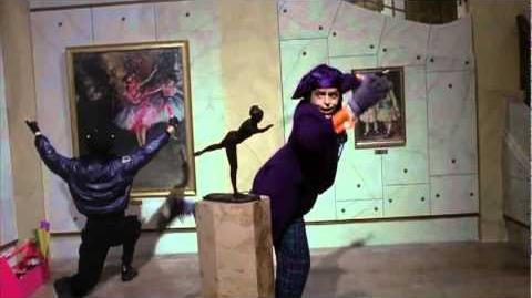 Joker in Museum - Jack Nicholson - Batman (1989)