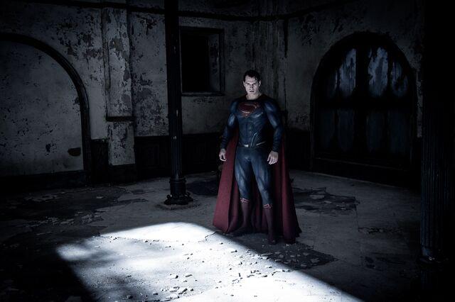 File:Supermanatwaynemanor.jpg