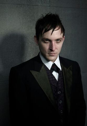 File:Oswald Cobblepot Gotham.jpg