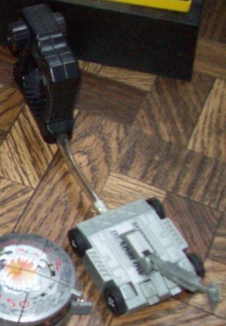 Battlebot-deadblow-grip-n-grappler