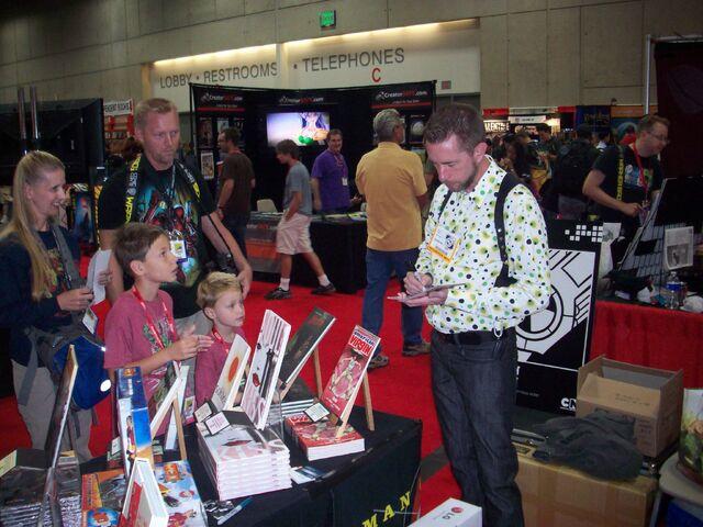 File:Comic Con 2011 (5).jpg