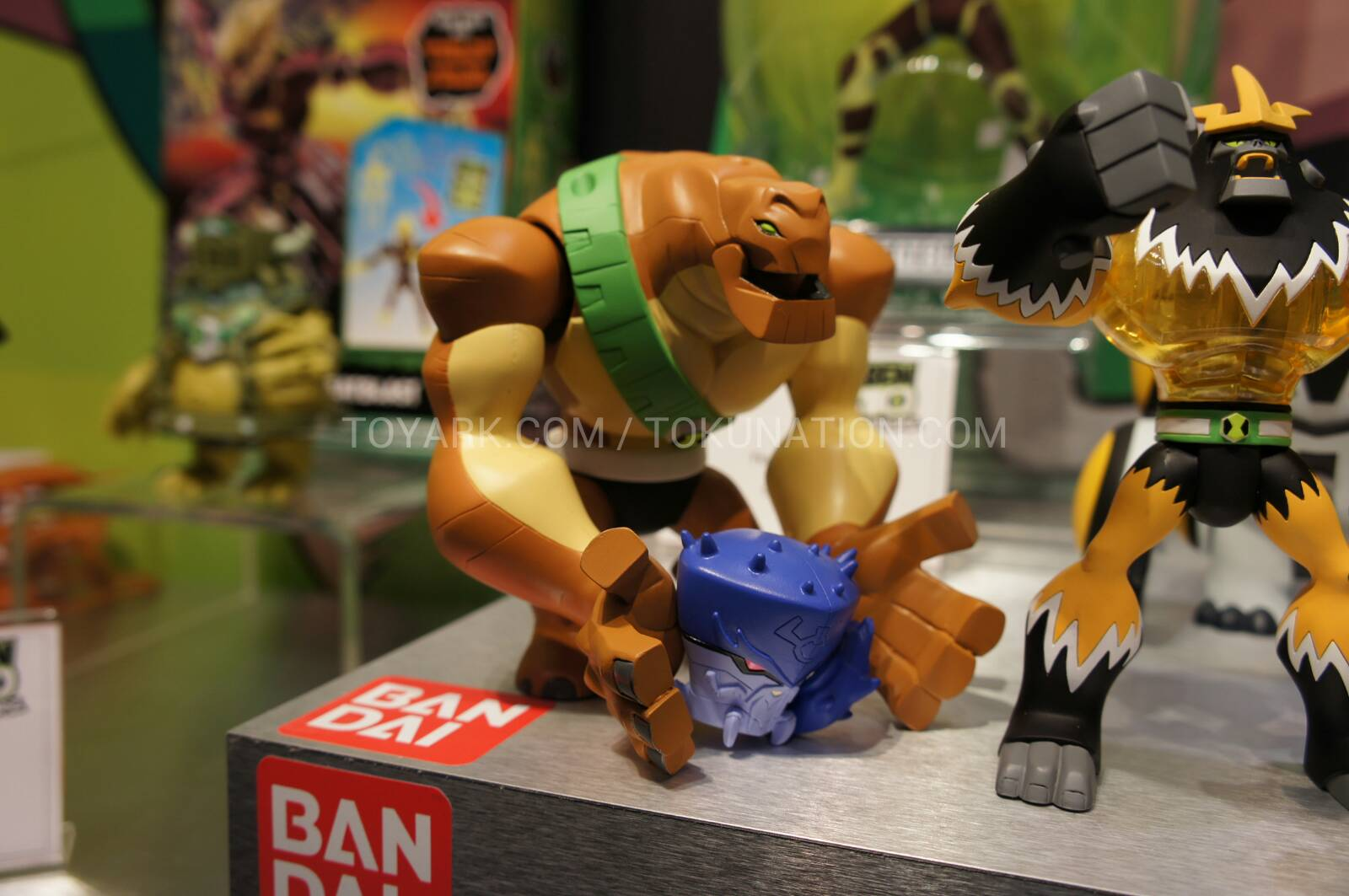 Ben 10 Upgrade Toy Show full sized